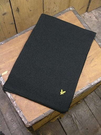 Lyle And Scott Black Scarf SV911A